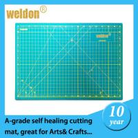 Wholesale PVC self healing rotating cutting mat  anti slip flexible cutting board from china suppliers