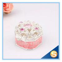Quality Small Metal Metal Treasure Chest Jewelry Ring Box Wedding Ring Rolls Jewelry Box Retail for sale