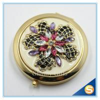 Wholesale Shinny Gifts Luxury Rhinestone Flower Design Metal Compact Mirror Small Makeup Mirror For Girls Gift from china suppliers