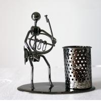 Wholesale Personality iron pen holder classic music man home decoration from china suppliers