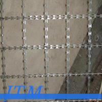 Wholesale [15 years factory]BTO-22 7x15mm 1mx2m Welded Razor Barbed Wire Mesh from china suppliers