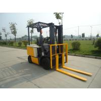 Wholesale Forklift truck 2500kg capacity 4.5m triplex full free container mast with side shifter from china suppliers