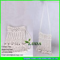 Wholesale LDMX-005 wooden beaded shoulder bags cotton rope fasten straw handbags from china suppliers
