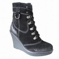 China Women's leather boots, fashionable design on sale