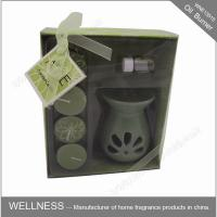 Sweet Smelling Ceramic Scented Oil Burner With Small Candle In The Box