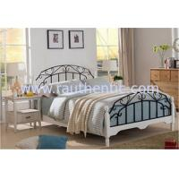 Wholesale High End Wrought Iron Luxurious Queen Bed , White Metal Frame Double Bed With Mattress from china suppliers