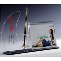 Buy cheap Transparent Acrylic Photo Frames from wholesalers