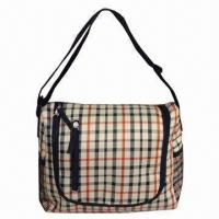 Wholesale Lunch bag with adjustable shoulder strap, zipper front pocket and mesh pockes on both sides from china suppliers
