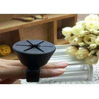 Quality 2016 New mold wearable silicone rubber soft ring nail polish holder for sale