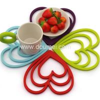 Wholesale Deumei Eco-friendly Heart Shape Silicone Trivet Mat/Customized 3 Heart Silicone Placemat from china suppliers