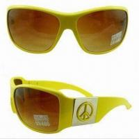 Wholesale Promotional Designer Sunglasses, Fashionable Design, Made of Plastic, Suitable for Men and Women from china suppliers