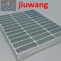 Wholesale anti-slip grating,serrated steel grating from china suppliers