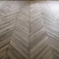 Wholesale Chevron Oak parquet wood flooring from china suppliers