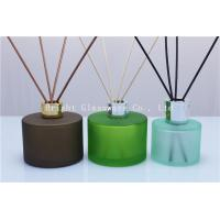 Wholesale decoration design reed diffuser bottle with silver lid for wholesale from china suppliers