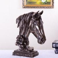 Horse head, lion king and other ornaments coated in bronze, brass and metal