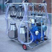 Quality Diesel Engine Eletric Motor Mobile Sheep Milking Machine 550 l / Min Vacuum Pump Capacity for sale