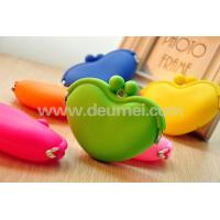 Wholesale Hot Fashionable Heart Silicone Coin Purse Wallet Promotional Lady Purse Children Purse from china suppliers
