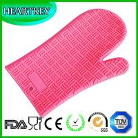 Quality Amazon Hot Selling Heat Resistant BBQ Grill Oven Mitt / BBQ Grill Oven Silicone Glove for sale