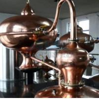Wholesale Home alcohol distiller, alcohol distillation equipment & Vodka,Whiskey,Gin Copper Distillery For Sale from china suppliers