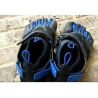 Wholesale 2012 Fashion MOQ Four or Five Pairs Mountain Rock Climbing Finger Sport Shoes Free Shipping from china suppliers