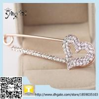 Wholesale Heart Hollow Plating Rhinestone Brooches for Women Brooch Pins Jewelry Wedding Decoration from china suppliers