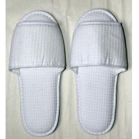 Wholesale Disposable Guest Bathroom and Bedroom EVA, Dot shoe sole Spa, bar and Hotel Slipper from china suppliers