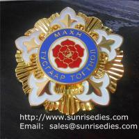 Wholesale Gold enamel lapel pin badges, personalized enamel badge pins made of zinc alloy from china suppliers