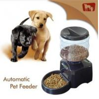 Wholesale 2013 New plastic auto pet feeder from china suppliers