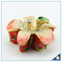 Wholesale Metal Material Beautiful Flower Shape Crystal Trinket Box SCJ564 from china suppliers