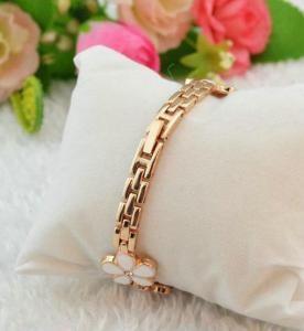 Quality Ladies Bracelet  Daisy Shped Chain Flower Womens Dress Watch Quartz Analog for sale