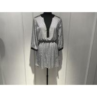 China Women Black And White Print Dress , Long Sleeve V Front Dress Spring / Autumn for sale