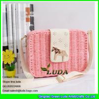 Wholesale LDTT-014 light pink straw bags for girls, fashion rattan handbags with metalic horse from china suppliers