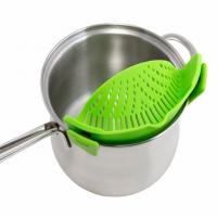 Universal silicone pot and pan strainers clip on