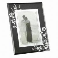 Buy cheap Fashionable Glass Photo Frame, Customized Designs, Colors and Sizes are Accepted from wholesalers