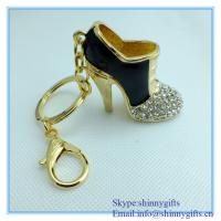 Wholesale Fashion handmade high-heeled shoes shape metal keychain from china suppliers