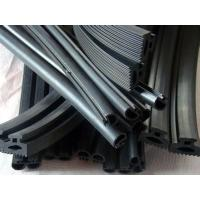 Quality Automotive Windscreen EPDM Rubber Extrusion Seal Anti-Ultraviolet Radiation for sale