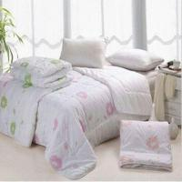 Wholesale Microfiber Quilts, Customized Materials, Sizes and Designs are Accepted from china suppliers