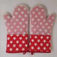 Wholesale Little Star Printed Red Silicone Gloves Heatproof Kitchen Oven Mitts 7.25 x 13.25 inch from china suppliers