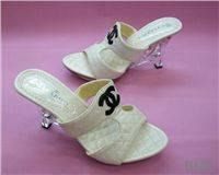 China fashion replica trendy shoes,T-shirts,sunglasses,handbags,jewelries on sale