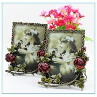 Wholesale Shinny Gifts Metal handmade flower photo frame new models for wedding gifts from china suppliers