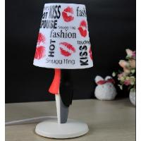 Wholesale Creative love romantic table lamp / tuxedo table lamp from china suppliers
