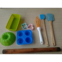 Quality Eco Heart Resist Silicone Baking Set , 11pcs Recycled Non Stick Bakeware Sets for sale