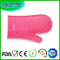Wholesale Amazon Hot Selling Heat Resistant BBQ Grill Oven Mitt / BBQ Grill Oven Silicone Glove from china suppliers