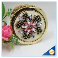 Quality Shinny Gifts Luxury Rhinestone Flower Design Metal Compact Mirror Small Makeup Mirror For Girls Gift for sale