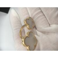 Wholesale Van Cleef & Arpels Magic Alhambra Between the Finger ring yellow gold white mother-of-pearl from china suppliers