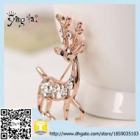 Wholesale Newest Style new uniuqe fashion accessories large unisex alloy rhinestone golden giraffe brooch from china suppliers