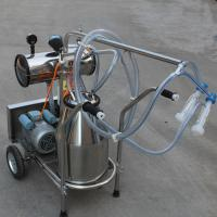 Quality Single Bucket Portable Vacuum Pump Milking Machine With 250 l / Min Vacuum Pump Capacity for sale