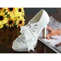 Wholesale China Wedding Shoes / White Elegant Beautiful Bridal Shoes with Varnished Heel for wedding from china suppliers