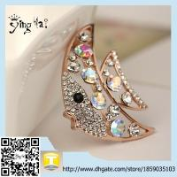 Wholesale Newest Style Vintage Personality promotion  Rhinestone Fish Brooches For Woman from china suppliers