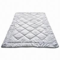 Wholesale Microfiber Polyester Quilt, Customized Sizes and Colors are Accepted from china suppliers